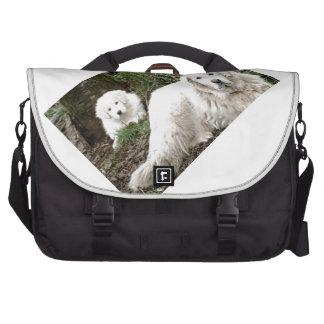 Perro y perrito de los grandes Pirineos Bolsa De Ordenador