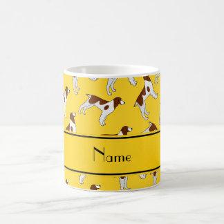 Perros amarillos conocidos personalizados del taza de café