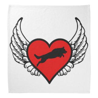 Perros cons alas de salto del amor del corazón del bandanas