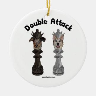 Perros de ataque dobles del ajedrez ornaments para arbol de navidad