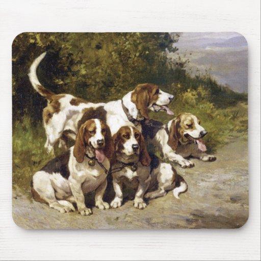 Perros de caza - arte del perro del vintage de Pen Alfombrillas De Raton