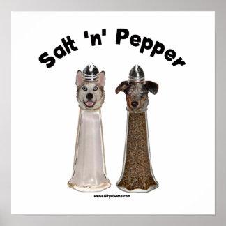 Perros de las coctelera de sal y de pimienta póster