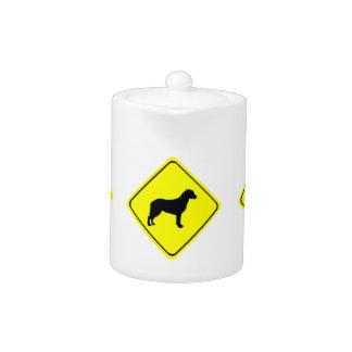Perros del amor de la señal de peligro del perro