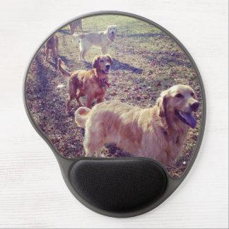 Perros del golden retriever del vintage alineados alfombrillas de raton con gel