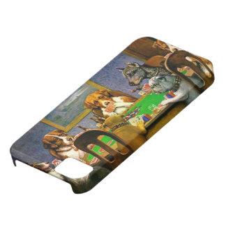 Perros divertidos que juegan la caja del póker iPhone 5 Case-Mate protector