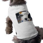perros en diseño de las técnicas mixtas ropa de perro