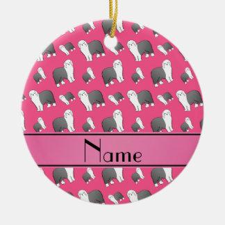 Perros ingleses viejos rosados conocidos adorno navideño redondo de cerámica