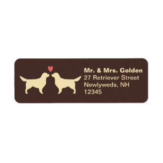 Perros perdigueros de oro con el corazón etiquetas de remite