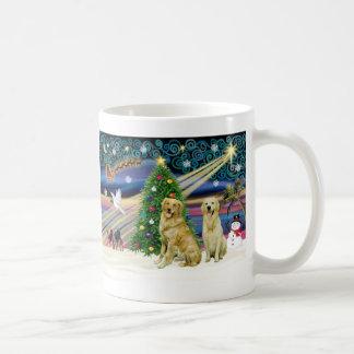 Perros perdigueros de oro mágicos del navidad (dos tazas de café