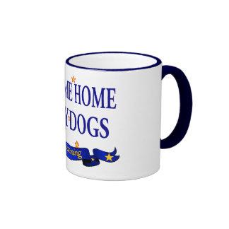 Perros polvorientos caseros agradables tazas