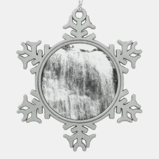Persecución de las cascadas adornos