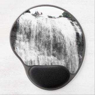 Persecución de las cascadas alfombrilla con gel