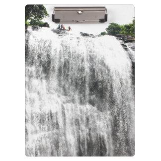 Persecución de las cascadas