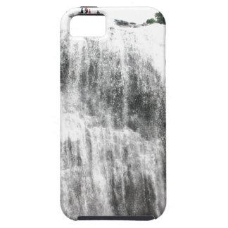 Persecución de las cascadas iPhone 5 Case-Mate cárcasa