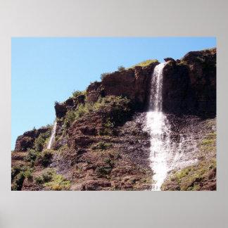 Persecución del poster de las cascadas 3