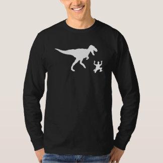 Perseguido por un dinosaurio playera
