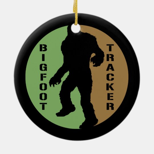 Perseguidor de Bigfoot Adorno Navideño Redondo De Cerámica