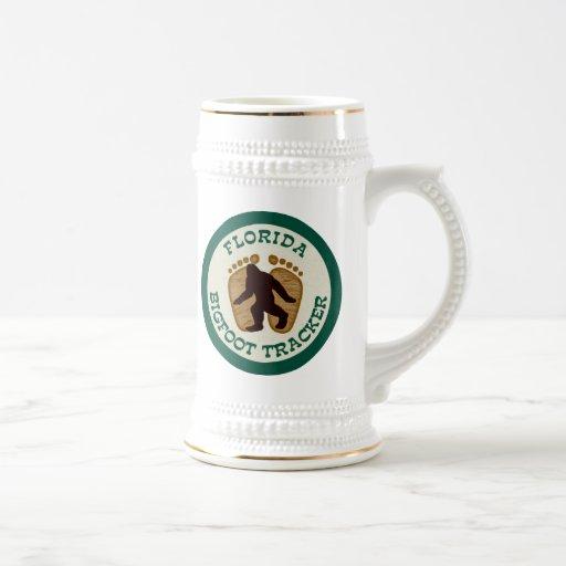 Perseguidor de la Florida Bigfoot Jarra De Cerveza