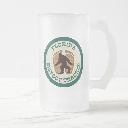 Perseguidor de la Florida Bigfoot Taza Cristal Mate