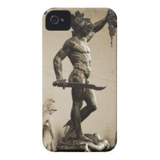 Perseus con el jefe de la medusa iPhone 4 cárcasa