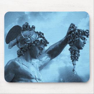Perseus contra medusa alfombrillas de ratón