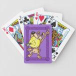 Persiga con los naipes grandes de las ideas barajas de cartas