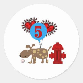 Persiga el 5to cumpleaños pegatinas