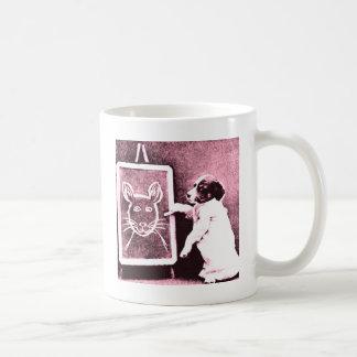 persiga el dibujo qué mira para ser un ratón taza de café