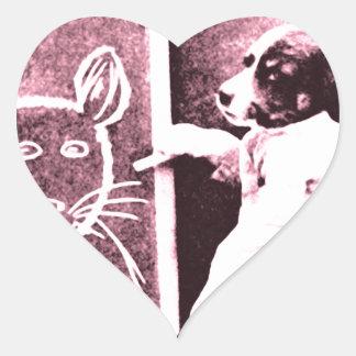 persiga el dibujo qué mira para ser un ratón pegatina en forma de corazón