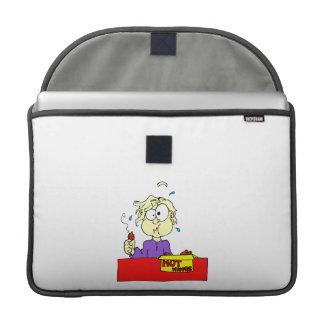 Persona que come el dibujo animado caliente de las funda para macbooks