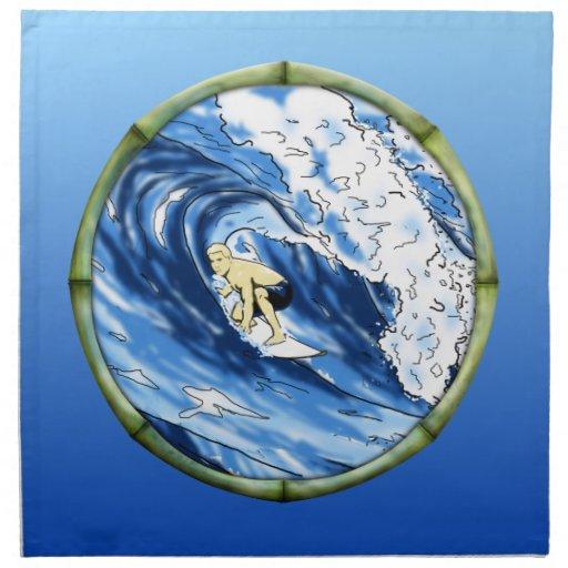 Persona que practica surf con el marco de bambú servilletas imprimidas