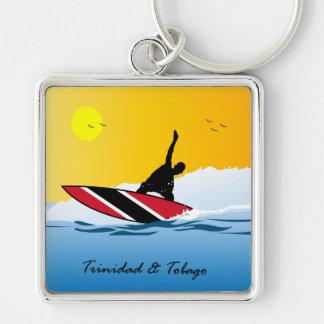 Persona que practica surf de la playa de Trinidad Llavero Cuadrado Plateado