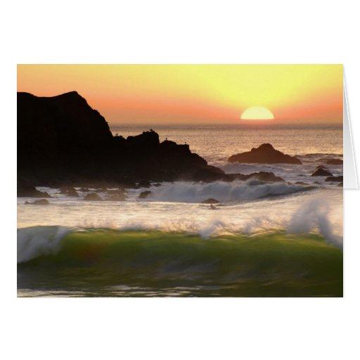 Persona que practica surf de la puesta del sol tarjeta de felicitación
