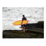 persona que practica surf de Newport Postales