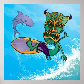 Persona que practica surf de Tiki Poster
