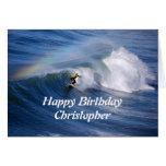 Persona que practica surf del feliz cumpleaños de  tarjetón