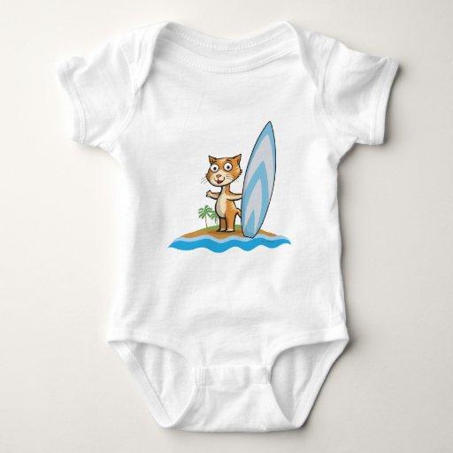 Persona que practica surf del gato tee shirt