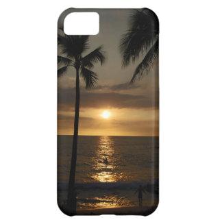Persona que practica surf en la puesta del sol funda para iPhone 5C