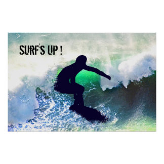 Persona que practica surf en onda grande posters