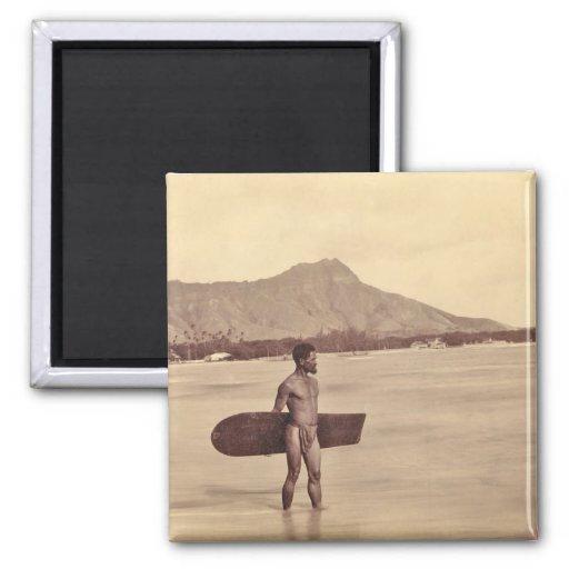 Persona que practica surf hawaiana nativa, C. 1890 Imán