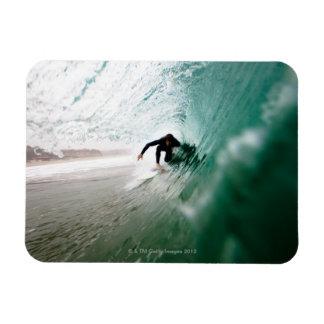 Persona que practica surf imanes de vinilo