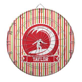 Persona que practica surf, practicando surf; Rojo, Tabla Dardos