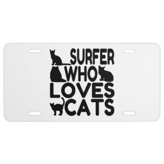 Persona que practica surf que ama gatos placa de matrícula