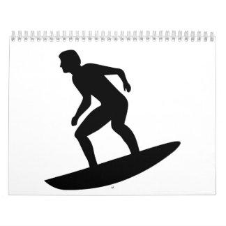 Persona que practica surf que practica surf calendario