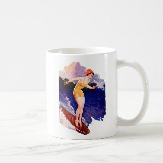 Persona que practica surf que practica surf retra taza de café
