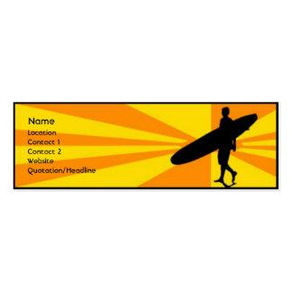 Persona que practica surf tarjeta de visita