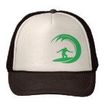 Persona que practica surf verde de Kelly Gorra