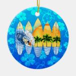 Persona que practica surf y tablas hawaianas ornamento de reyes magos