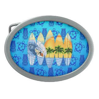Persona que practica surf y tablas hawaianas hebillas cinturón ovales