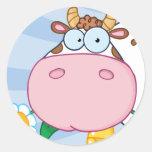 Personaje de dibujos animados de la vaca etiqueta redonda